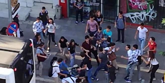 Liseli iki grup arasında kavga çıktı