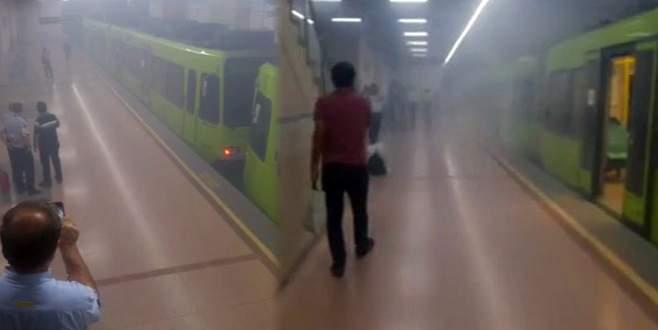 Metroda panik anları! Duman her yeri kapladı