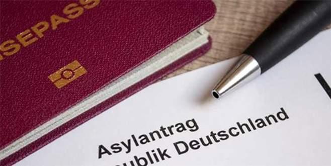 Almanya'dan 5 bin Türk vatandaşına ret