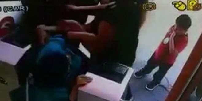 Kadınlar tuvaletinde turnike kavgası
