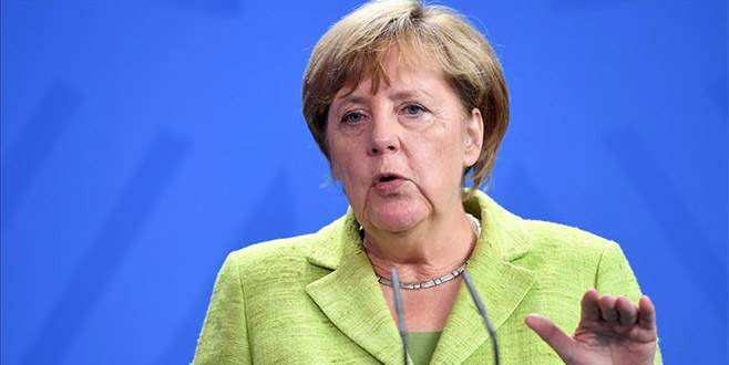 Merkel'den Türkiye'ye 'silah ambargosu' açıklaması