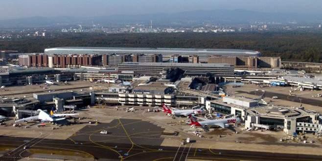 'Almanya'da havalimanında gaz saldırısı' paniği