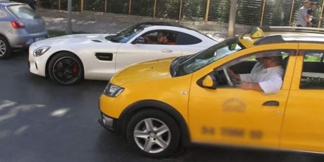 Taksiciden Murat Boz'a tepki: Yavaş be kardeşim