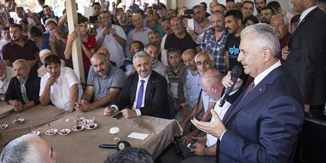 'Ülkesini milletini cümle aleme şikayet eden siyasetçiler var'