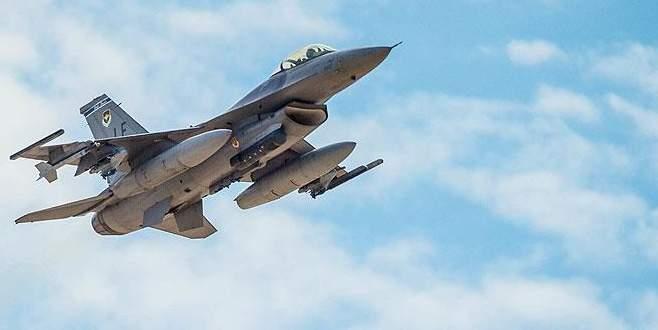 ABD'de F-16 uçağı düştü