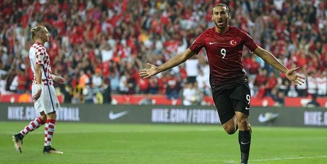 Türkiye bitti demeden bitmez: 1-0