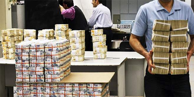 Vatandaş borçlandıkça bankaların kârı artıyor