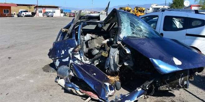 Bayram tatili yolunda kaza: 2 ölü, 4 yaralı