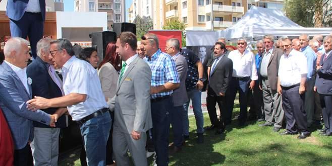 CHP'liler Üç Fidan Parkı'nda bayramlaştı