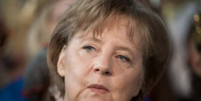 Almanya, FETÖ'cülerin mal varlığını dondurmayacak