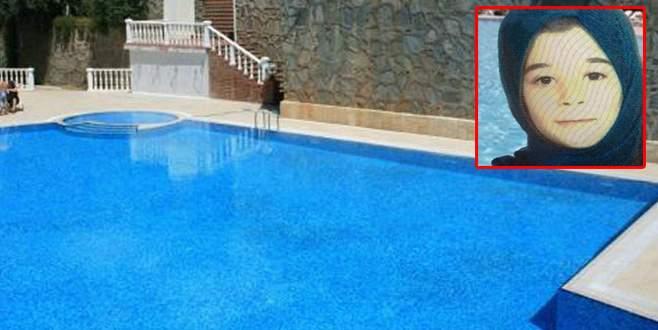 Beş yıldızlı otelde havuza düştü, hayatını kaybetti