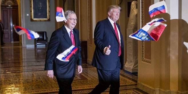 Trump'a Rusya bayraklı protesto