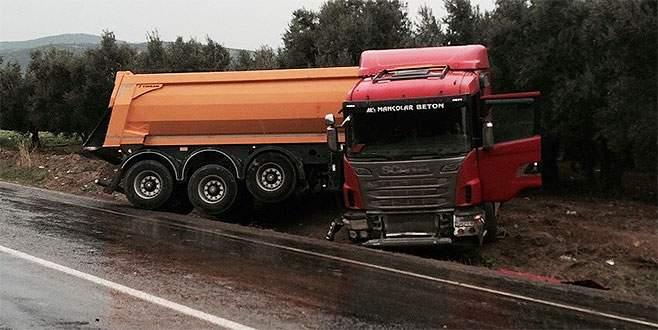 Bursa'da yağmurla gelen kaza