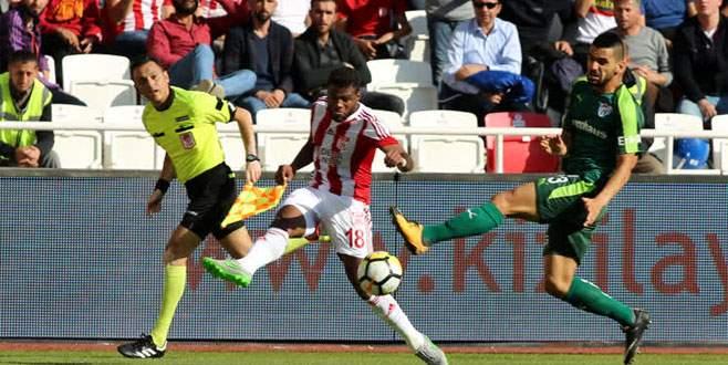 Timsah, Sivas'ta 2 puan bıraktı: 0-0