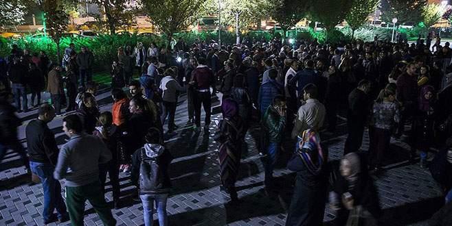 Ankara Büyükşehir Belediyesi önünde 'kadro' eylemi