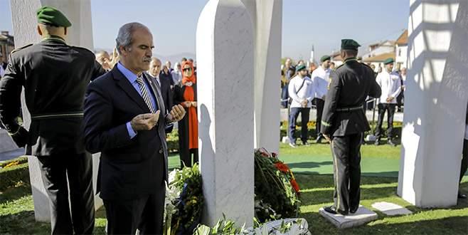 'Bilge Kral' Aliya, mezarı başında anıldı