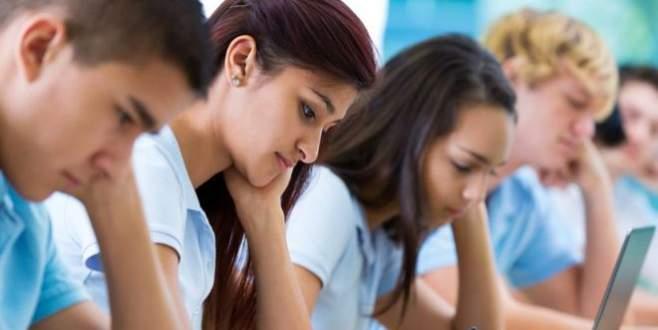 Lise öğrencilerine yalan haberlere karşı eğitim verilecek