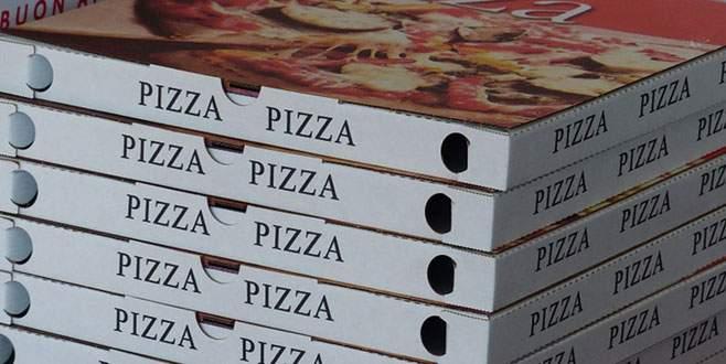 Pizza zincirinde seks yapan çifte sokağa çıkma yasağı