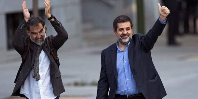 İki Katalan lideri tutuklandı
