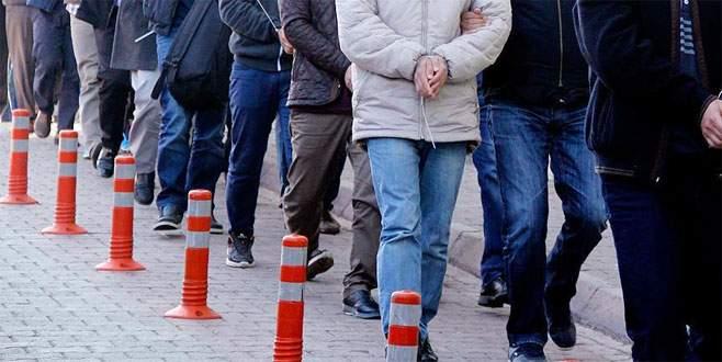 10 muvazzaf asker FETÖ'den tutuklandı