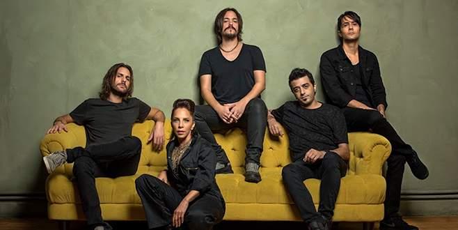 Sertab Erener'den rock grubu