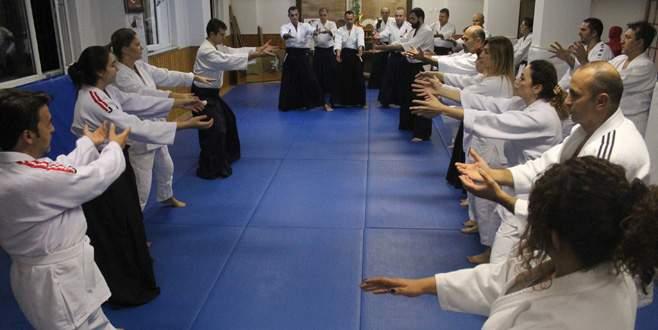Bu doktorlar aikido biliyor