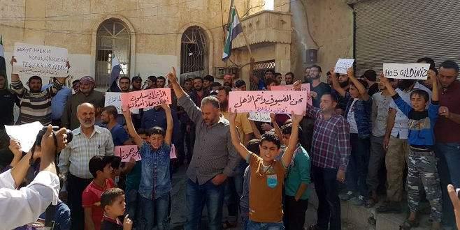 İdlib'de Türk askerine sevgi gösterisi