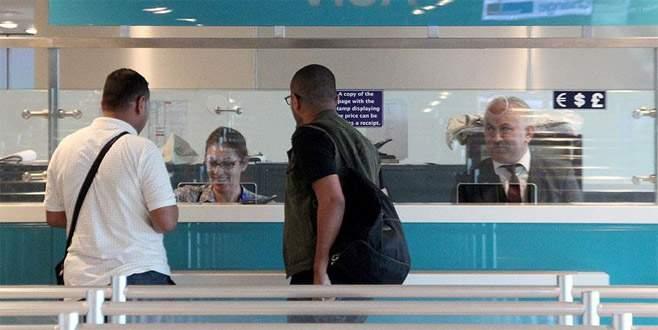 ABD'li yolcular havalimanında vize engeline takıldı