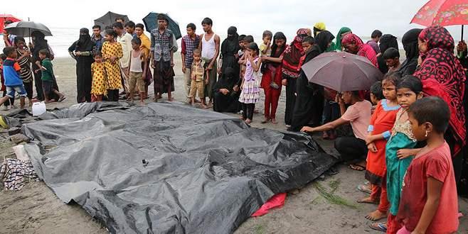Arakanlı Müslümanları taşıyan tekne battı: 23 ölü