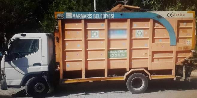 Kaçak göçmenler çöp kamyonunda yakalandı