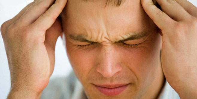 Baş ağrısı sebebi göz kapağı düşüklüğü olabilir