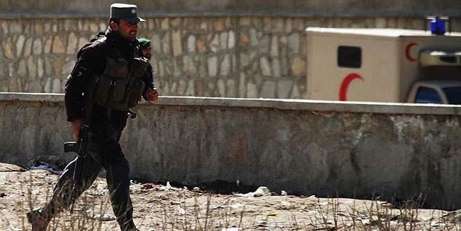 DEAŞ Afganistan'da okulu ateşe verdi