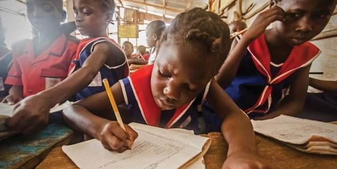 Dünya, kadın okur yazar oranında sınıfta kaldı