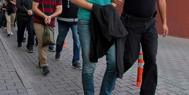 4 ilde 11 muvazzaf astsubay gözaltına alındı