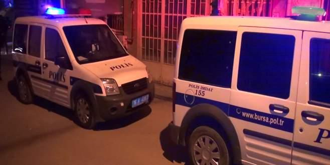 Bursa'da kocasının arkadaşını bıçakladı!