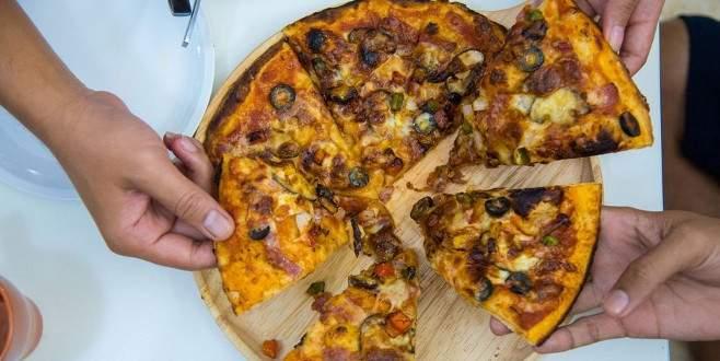 Pizzanız böyle gelirse yemeden önce bir daha düşünün!