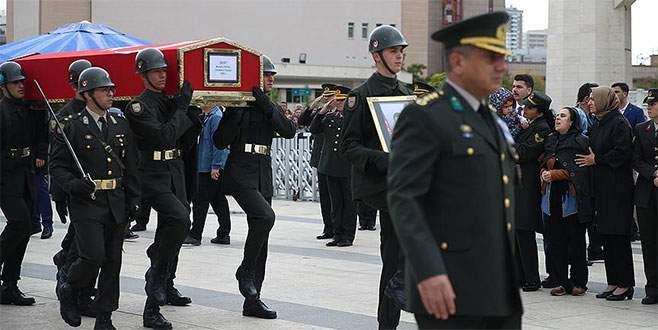 Şehit Yüzbaşı Erdal son yolculuğuna uğurlandı