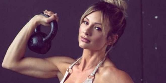 Fitness modeli Instagram'dan kazanıyor