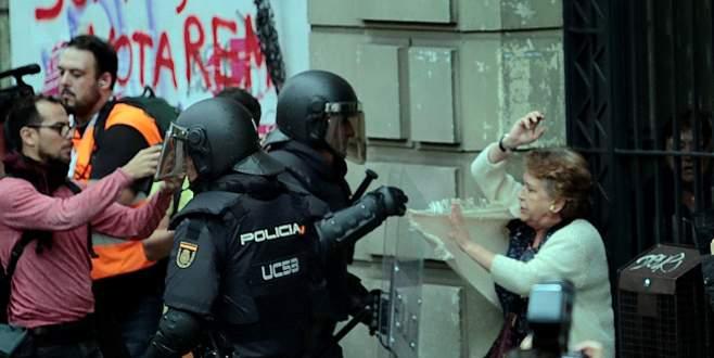 Katalonya'da referandum gerginliği: 761 yaralı