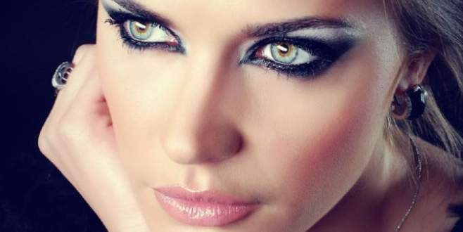 Kurumuş eyeliner'ı kurtarmanın basit yolu