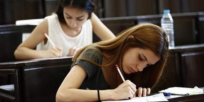 Üniversite giriş sınavı dün gece yine değişti