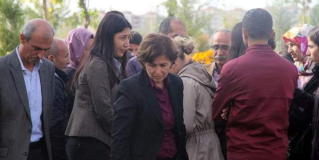 HDP'li vekil, PKK'lı teröristin cenazesine katıldı