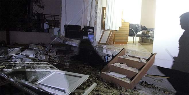 Helyum gazı patladı, ev savaş alanına döndü