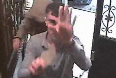 Pişkin hırsızlar el sallayarak içeriye girdiler