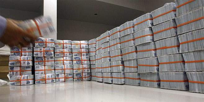 Bütçe ekimde 3,3 milyar lira açık verdi