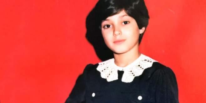 Siyah önlüklü bu çocuğu şimdilerde bütün Türkiye tanıyor