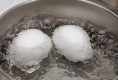 Haşlanmış yumurtanın suyunu sakın dökmeyin!