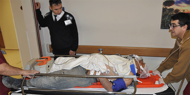 Bursa'da inşaattan düşen usta ağır yaralandı