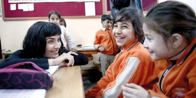 Suriyeli çocukların Tuba ablası