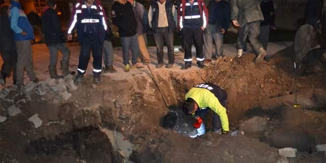 Bursa'da kanalizasyona düşen kuzu kurtarıldı